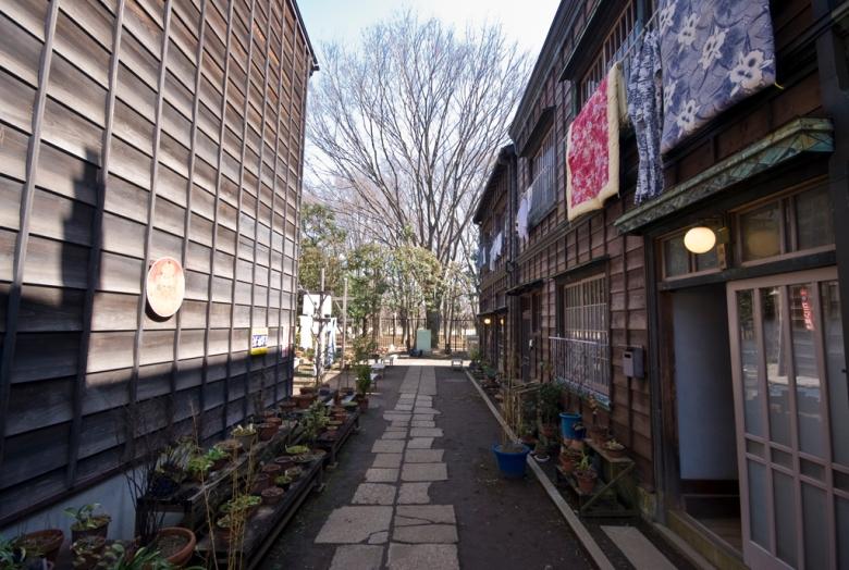 tatamonoen-residential-street